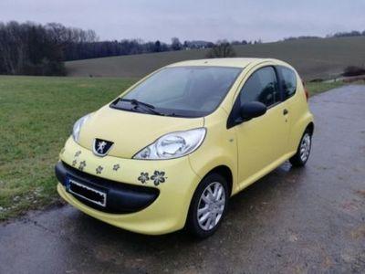 gebraucht Peugeot 107 1.800 € VB
