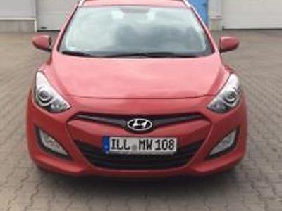 gebraucht Hyundai i30 Kombi 1.4 CRDi Advantage -top gepflegt-