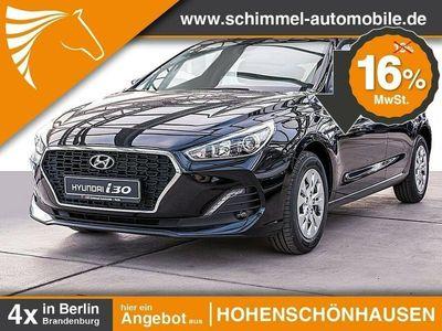 gebraucht Hyundai i30 5- Türer 1.4 Benzin M/T Select Navi Klima