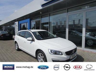 gebraucht Volvo V60 Kinetic D2 - Navi,Bluetooth,PDC