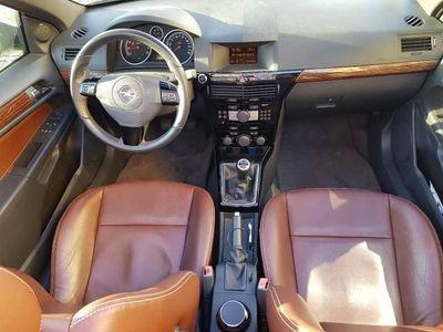 gebraucht Opel Astra Cabriolet Twin Top 1.8 Cosmo