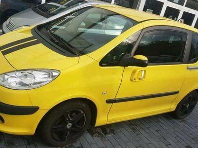 gebraucht Peugeot 1007 1,4L URBAN, TÜV, Klima, Schie...