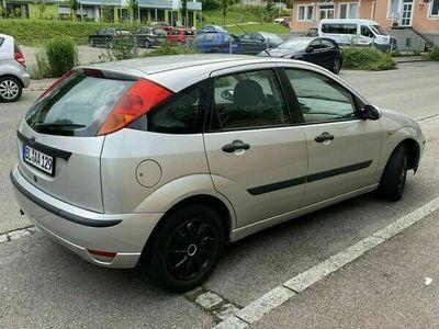 gebraucht Ford Focus baujahr 2002 Benzin Tüv bis januar 2022