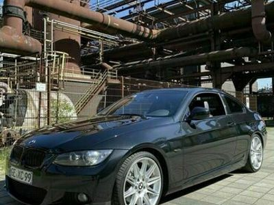 gebraucht BMW 325 e92 i Shadow line als Sportwagen/Coupé in Gelsenkirchen