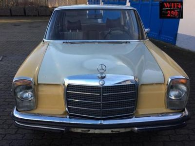 gebraucht Mercedes W114 Strich 8, 250 Bj. 1972 Zum Restaurieren