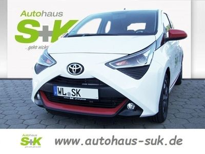 used Toyota Aygo x-play connect 5-Türer 1.0l Benzin 5-Gang