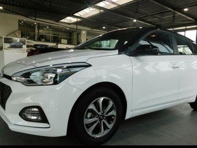 gebraucht Hyundai i20 NEW FACELIFT 1.2 84 TREND DACH-LACKIERUNG Ei