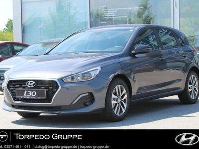 gebraucht Hyundai i30 NEW 1.4 T SoEd YES! NAVI+Smart-Key+BT+uvm