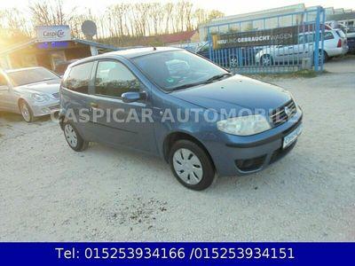 gebraucht Fiat Punto 1,2 8V Dynamic,KLIMA,2xEFH,ZV,SERVO,2.HAND
