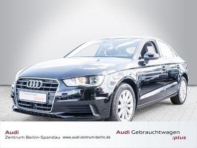 gebraucht Audi A3 Limousine 1.6TDI Attr. *ACC*NAVI*SHZ*