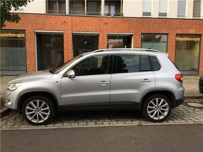 gebraucht 2 0 tsi 4motion automatik sport vw tiguan 2010 km in berlin. Black Bedroom Furniture Sets. Home Design Ideas