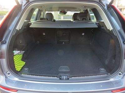 gebraucht Volvo XC60 B4 Diesel Momentum Pro AWD Automatik
