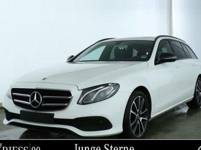 gebraucht Mercedes E220 4M T Avantgarde NIght Navi LED Schiebeda