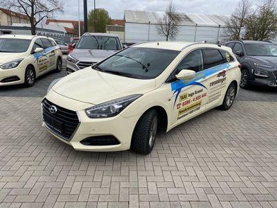 gebraucht Hyundai i40 Kombi blue 1.7 CRDi DCT Trend