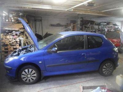 käytetty Peugeot 206 Schlachtfest