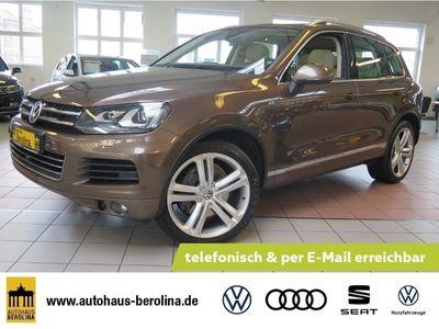 gebraucht VW Touareg 4.2 TDI V8 4M DSG *PANO*STANDH*AHK*