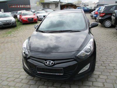gebraucht Hyundai i30 1.4 Classic WAG NR 111