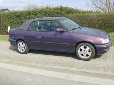 gebraucht Opel Astra Cabriolet kriegt neuen TÜV, Effektlack
