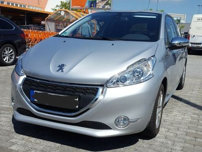 käytetty Peugeot 208 82 VTI Style**NAVI**Sitzheizung