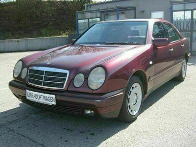 gebraucht Mercedes E220 E220 D CLASSIC
