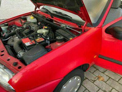 gebraucht Mazda 121 TÜV neu, Allwetterreifen voll fahrbereit