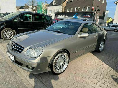 gebraucht Mercedes CLK350 Coupe Xenon*Navi*Leder*AHK*Glasdach*19 Zoll