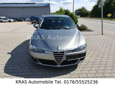 gebraucht Alfa Romeo 147 1.9 JTD 16V M-Jet Distinctive+Klimaautomatik
