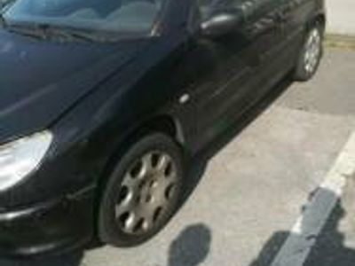 gebraucht Peugeot 206 CC schwarz