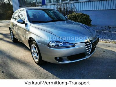 gebraucht Alfa Romeo 147 1.6 TS 16V Basis als Limousine in Solingen