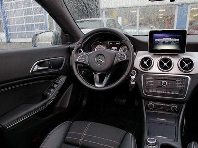 gebraucht Mercedes CLA220 Shooting Brake Shooting Brake d Urban Bi-Xenon 18