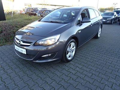 gebraucht Opel Astra 1.6 CDTI Style *8-Fach bereift* Scheckheftgepflegt*Klima*Navi*