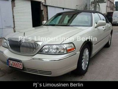 gebraucht Lincoln Town Car Signature Edition aus Las Vegas Super Zustand