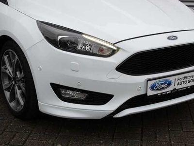 gebraucht Ford Focus 1.5 EcoBoost ST-Line *NAVI*SYNC3*18'LMF*SHZ*