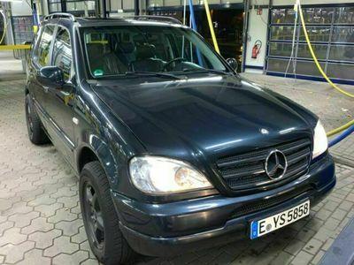 gebraucht Mercedes ML430 als SUV/Geländewagen/Pickup in Essen