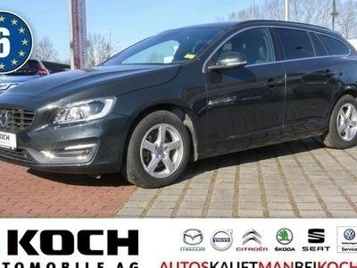 gebraucht Volvo V60 D4e Momentum Aut Navi Xenon Standhz FamilienPa