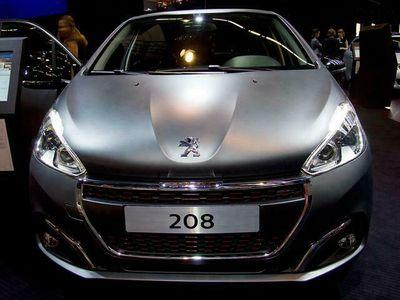 gebraucht Peugeot 208 Allure PureTech 100 74 kW (101 PS), Schal...