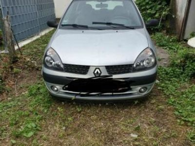 gebraucht Renault Clio mit Tüv bis 06/22