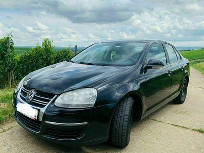 gebraucht VW Jetta 1.9 TDI, TÜV bis 03/23, Bremsbeläge komplett neu