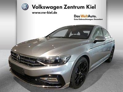 gebraucht VW Passat Elegance 2.0 TSI DCC R-line Panorama DAB