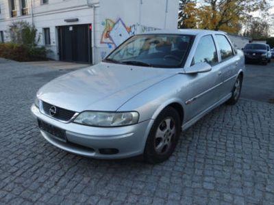 gebraucht Opel Vectra 1.6 Edition 2000 Climatronic TÜV/03/2019
