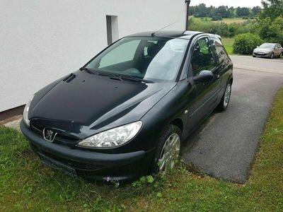 gebraucht Peugeot 206 90 Tendance