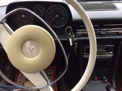 gebraucht Mercedes 200/8 !!!