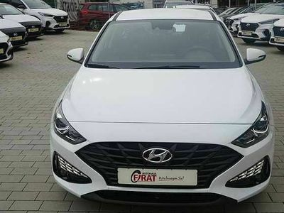 gebraucht Hyundai i30 1,5 110PS neues Modell PDC/Shzg./Lenkradhzg.