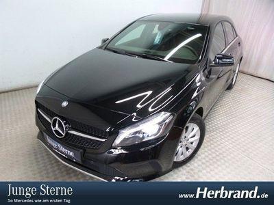 gebraucht Mercedes A180 d Style Navi, LED, SHZ, PTS, nur 9459km!!!