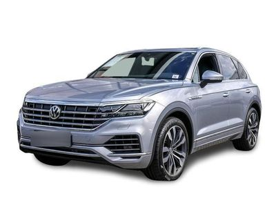 gebraucht VW Touareg 3.0 V6 TDI SCR EU6 Elegance Leder AHK Luftfederung Navi P-Dach Luftfederung IQ.LIGHT - LED-Matrix