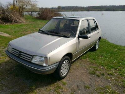 gebraucht Peugeot 205 Automatik 1.6 als Kleinwagen in Eisenhüttenstadt