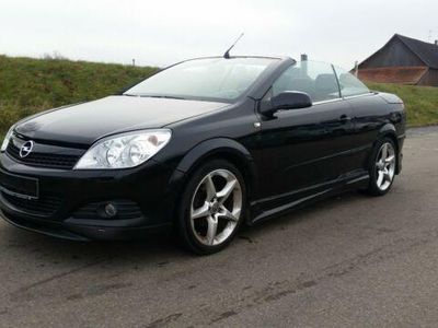 begagnad Opel Astra Cabriolet H Twin Top Endless Summer-Automatic Getrie
