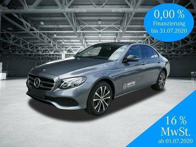 gebraucht Mercedes E300 de-Avantgarde-Night Paket-Distronic-LED-