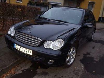 gebraucht Mercedes 220 C- Klassecdi Scheckheft gepflegt
