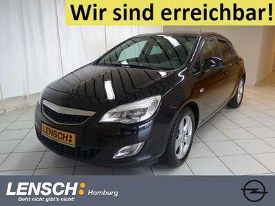 gebraucht Opel Astra 1.6 Turbo Design Edition bei Gebrachtwagen.expert